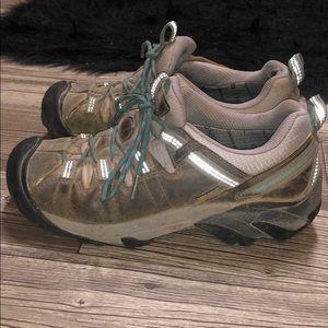 Keen Hiking Shoes 🥾